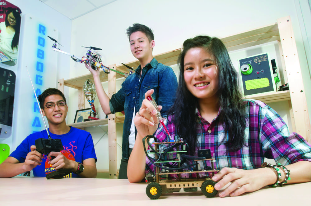 From game design and development to robotics, Singapore Polytechnic offers advanced programmes to train highly-skilled manpower for Singapore's current and new industries.