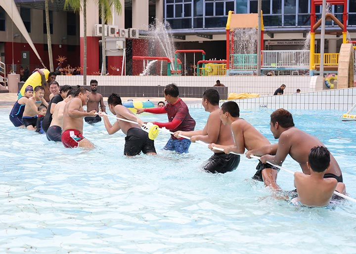 ActiveSG-tug-of-war-swimming-pool